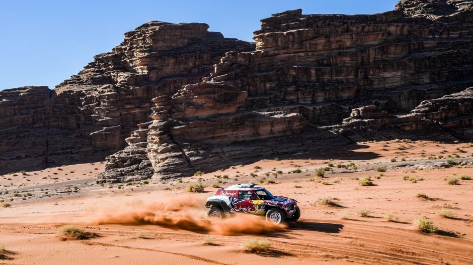 Tako to rade stari majstori: Carlos Sainz preuzeo vodstvo na Dakar Rallyju