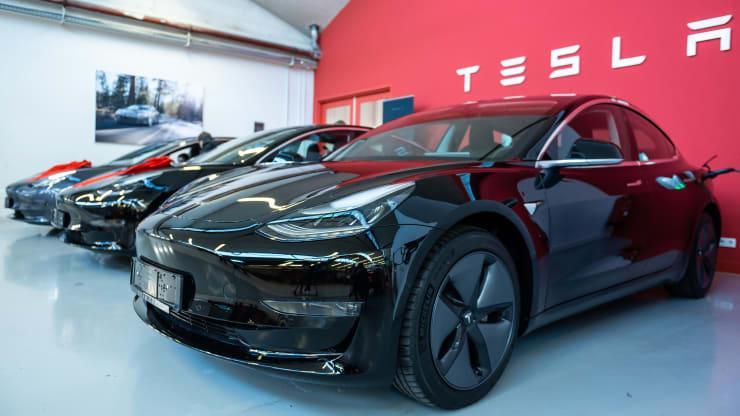 Tesla je trenutno najvrjednija automobilska kompanija u SAD-u