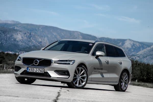 Volvo V60 D3 Momentum – švedski bestseller
