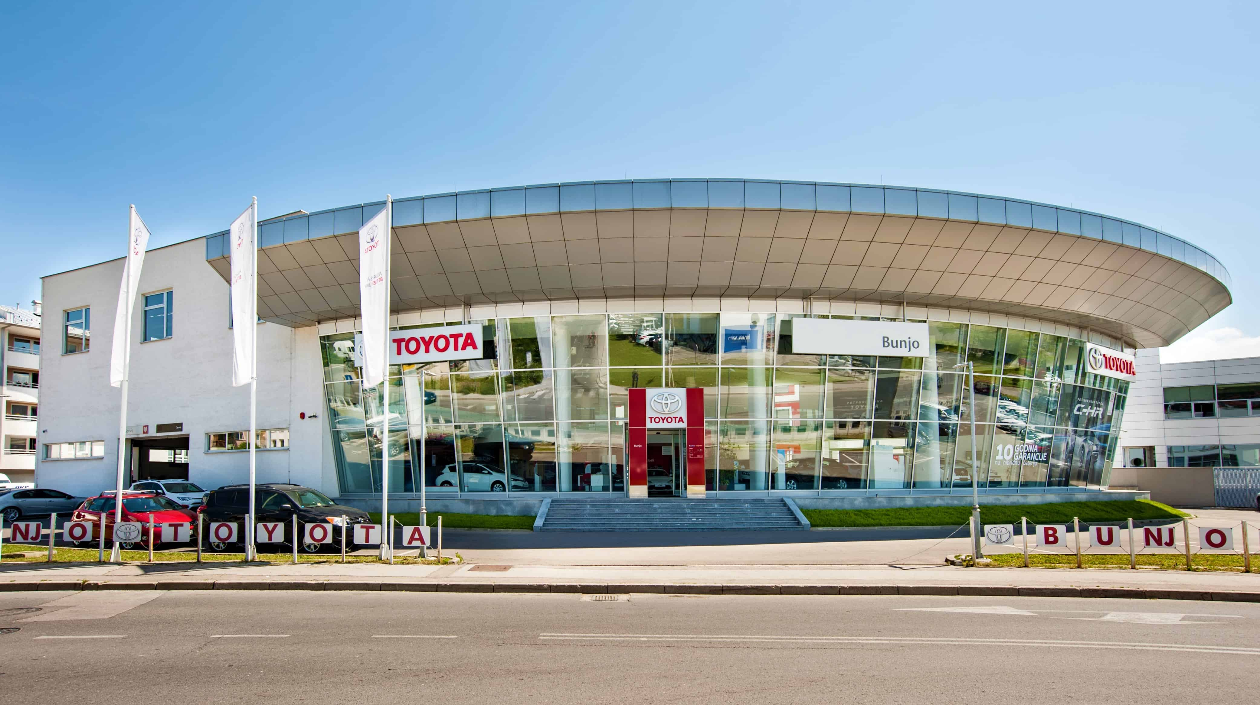 Svi Toyota saloni i servisi su otvoreni