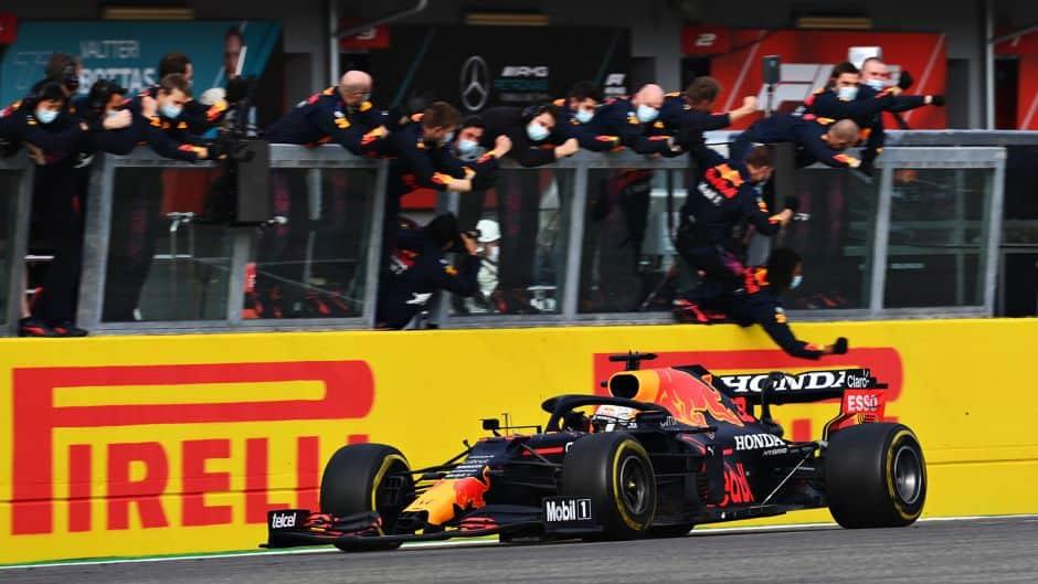 Uzbudljiva utrka u Imoli: Verstappen pokazao zube Hamiltonu i nadmoćno ga pobijedio